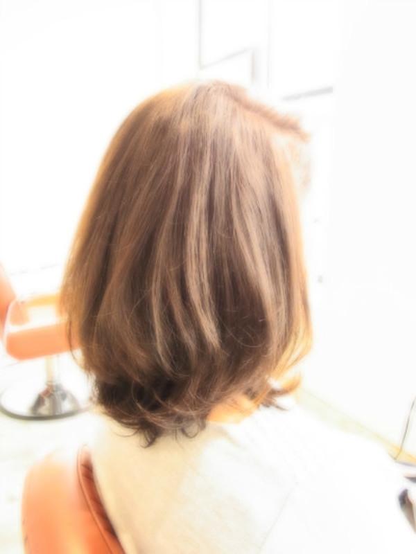 スタイリング簡単プレミアムスーパーカット☆☆☆☆☆&フェミニンミディヘアスタイル☆のサムネイル